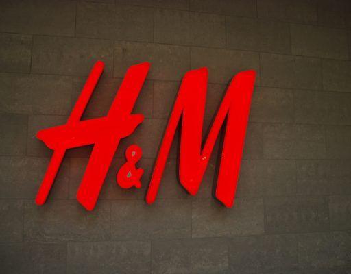 Блогерам показали будущий магазин H&M во Владивостоке