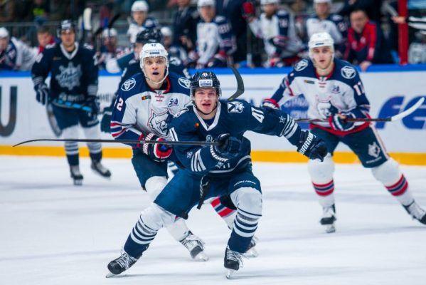 «Адмирал» одержал третью победу подряд в КХЛ