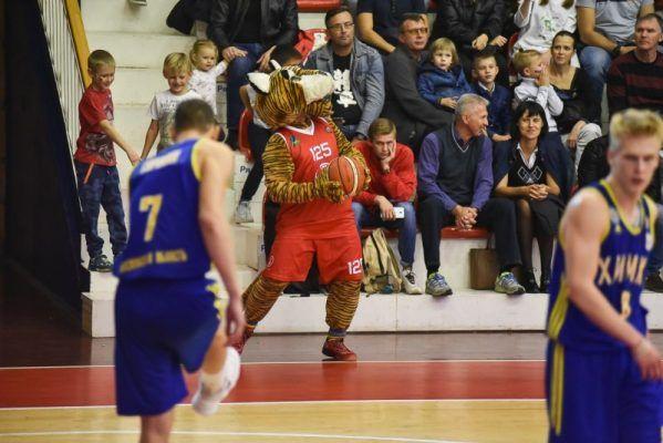 Баскетболисты «Спартака-Приморье» обыграли «Купол-Родники»