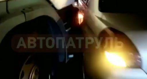 Во Владивостоке тягач с «Лексусами» протаранил легковушку