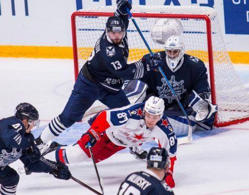 Хоккеисты в «Адмирале» заключают минимальные контракты на 4-5 млн рублей — экс-защитник