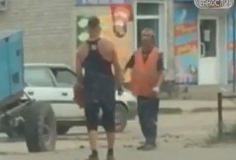 Приморцев удивили забавы дорожных рабочих