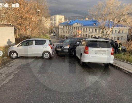 Массовое ДТП во Владивостоке: столкнулись сразу пять машин