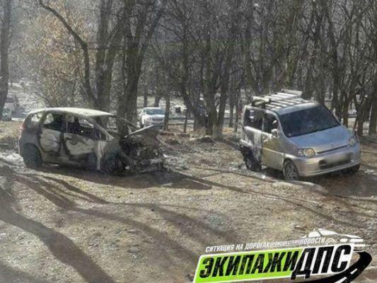 Во Владивостоке ночью сгорел ещё один автомобиль