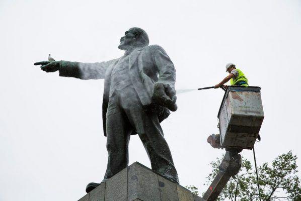 В 2019 году во Владивостоке приведут в порядок 38 памятников, один – отреставрируют