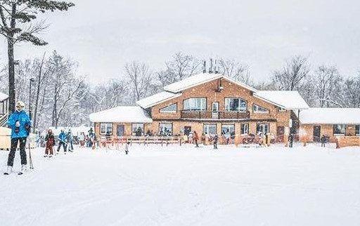 Новый сезон открыли на горнолыжной базе «Комета» во Владивостоке
