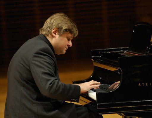 Пианист-виртуоз Пётр Лаул выступит во Владивостоке