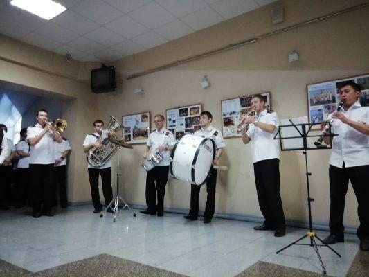 Во Владивостоке открылась фотовыставка об истории уникального для Дальнего Востока вузовского духового оркестра