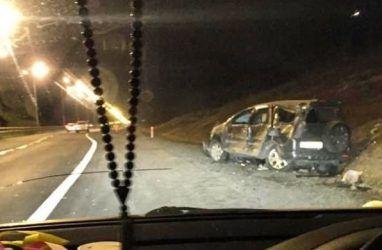 Машина превратилась в металлолом в результате ДТП с переворотом в Приморье