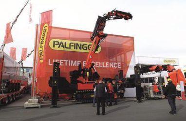Компания Palfinger выпустила свой первый гусеничный кран