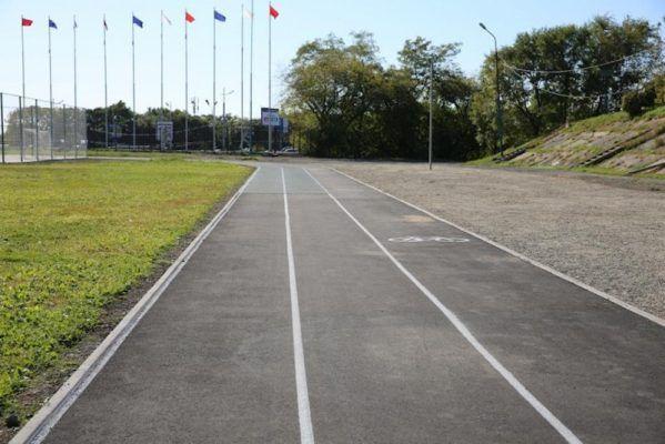 Футбольное поле владивостокского стадиона «Строитель» отремонтируют