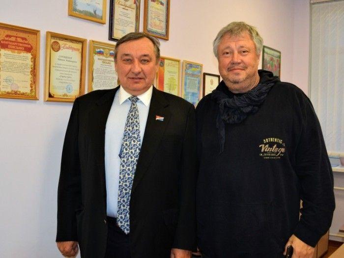 Сергей Ищенко и Сергей Степанченко. Фото: пресс-служба Законодательного собрания Приморского края