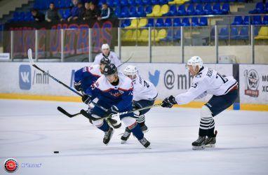 Хоккеисты «Тайфуна» во Владивостоке проиграли «Капитану»