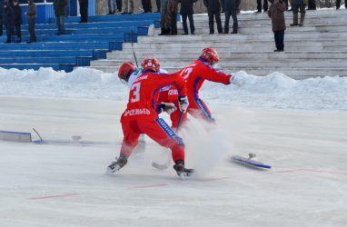 Приморский «Восток» дважды обыграл «Сибсельмаш-2» в матчах первенства России по хоккею с мячом