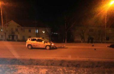 Пенсионер на авто насмерть сбил девушку в Приморье