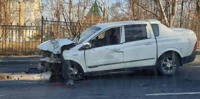 Страшное ДТП во Владивостоке: водителя пришлось доставать из искорёженной машины