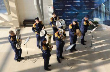Оркестр МЧС сыграл в Приморской Мариинке