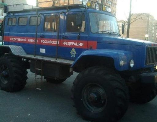 Огромный вездеход Следственного комитета удивил жителей Владивостока