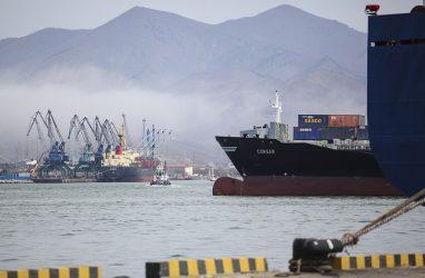 В Приморье зашли суда, моряки с которых не могут подсчитать свою зарплату — профсоюз