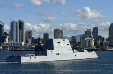 Военные новости: в США ввели в строй ещё один эсминец-«невидимку»