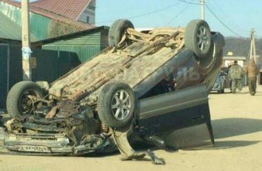Как в Голливуде: в Приморье машина перевернулась на крышу
