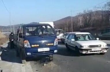 Многомиллионное ДТП произошло на объездной трассе во Владивостоке