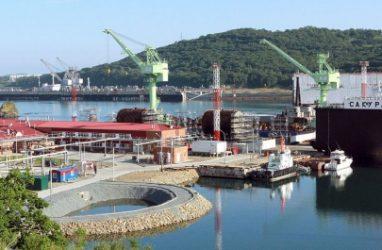 В Приморье с Камчатки доставят плавучие реакторные блоки утилизированных атомоходов и технический танкер
