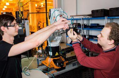 Универсальную систему интеллектуального управления роботами разработали во Владивостоке