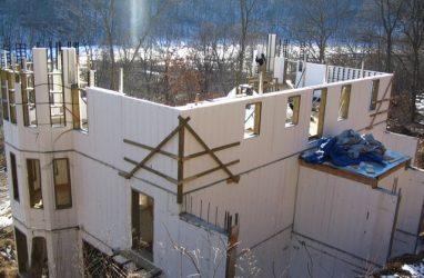 Справка: особенности строительства домов из пеноблоков