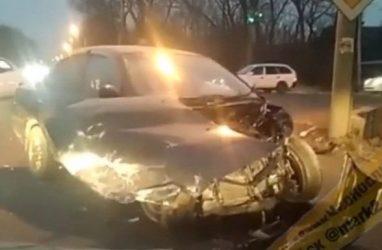 В результате жуткого ДТП в Приморье два автомобиля превратились в металлолом