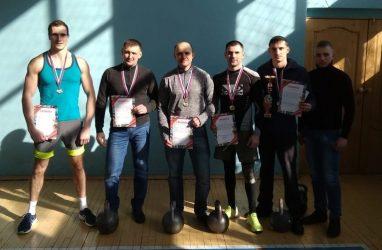 В Приморье прошёл чемпионат по гиревому спорту, посвящённый памяти погибшего милиционера