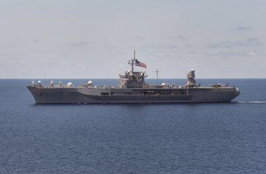 Флагман Седьмого флота США оказался в сотнях километров от Владивостока