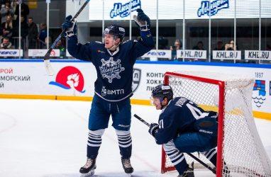Очередную победу одержали хоккеисты «Адмирала»