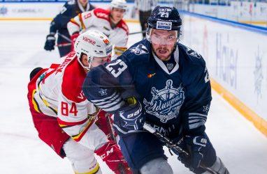 Хоккеисты «Адмирала» одержали четвёртую победу подряд