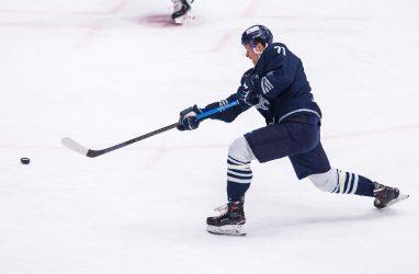 Хоккеисты «Адмирала» проиграли «Сибири»
