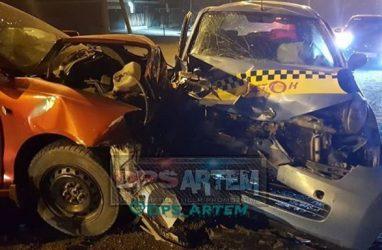 В Приморье машина такси превратилась в груду металлолома