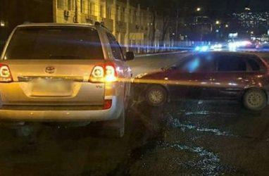 Во Владивостоке «Лада» протаранила Toyota Land Cruiser