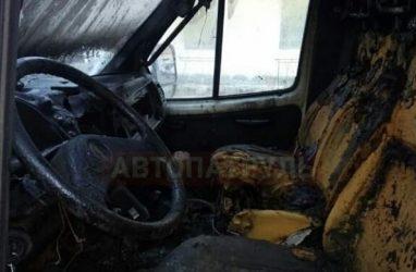 Машина «скорой помощи» чуть не сгорела в Приморье