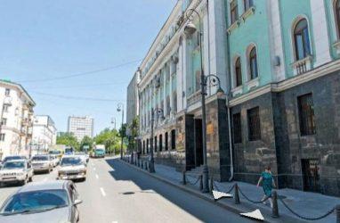 На ремонт входной группы здания главка приморской полиции направили 1,3 млн рублей