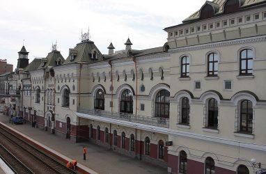 Выяснилось, почему на перроны Железнодорожного вокзала Владивостока ограничили свободный доступ