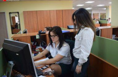 Владивостокские таможенники некоторые декларации стали оформлять за считанные минуты