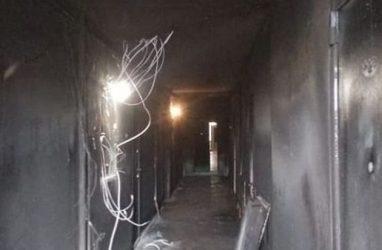 Страшный пожар в многоэтажке во Владивостоке: погибла женщина