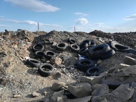Покрышки, мусор