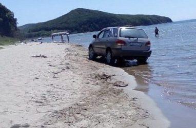 Водитель «Лексуса», сбивший детей на пляже в Приморье, предстал перед судом