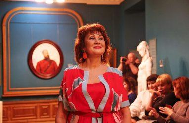 Во Владивостоке прошёл модный показ с участием моделей элегантного возраста