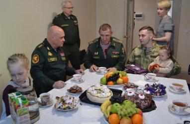 Во Владивостоке 60 семей военнослужащих и сотрудников Росгвардии стали новосёлами