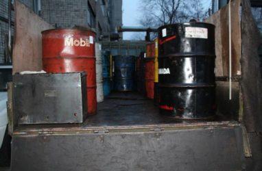 Троих мужчин осудили в Приморье за хищение топлива с тепловоза