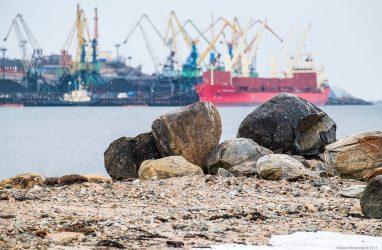 Впервые в Приморье круинговая компания погасила долги перед моряками по решению суда