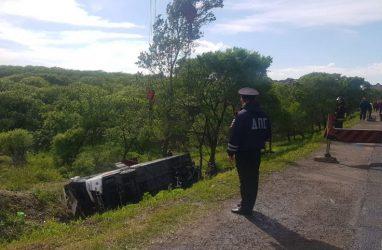 В Приморье арестовали водителя перевернувшегося автобуса с китайскими туристами