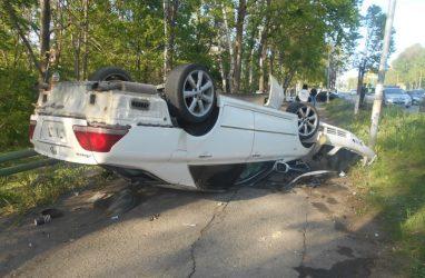 В Приморье пьяный водитель после ДТП избил полицейского